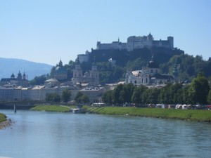 The scenic walk along the river to Old Town