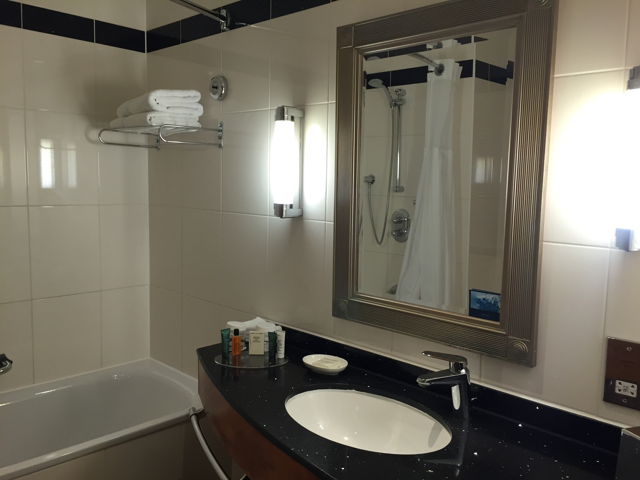Hilton London Paddington Bathroom