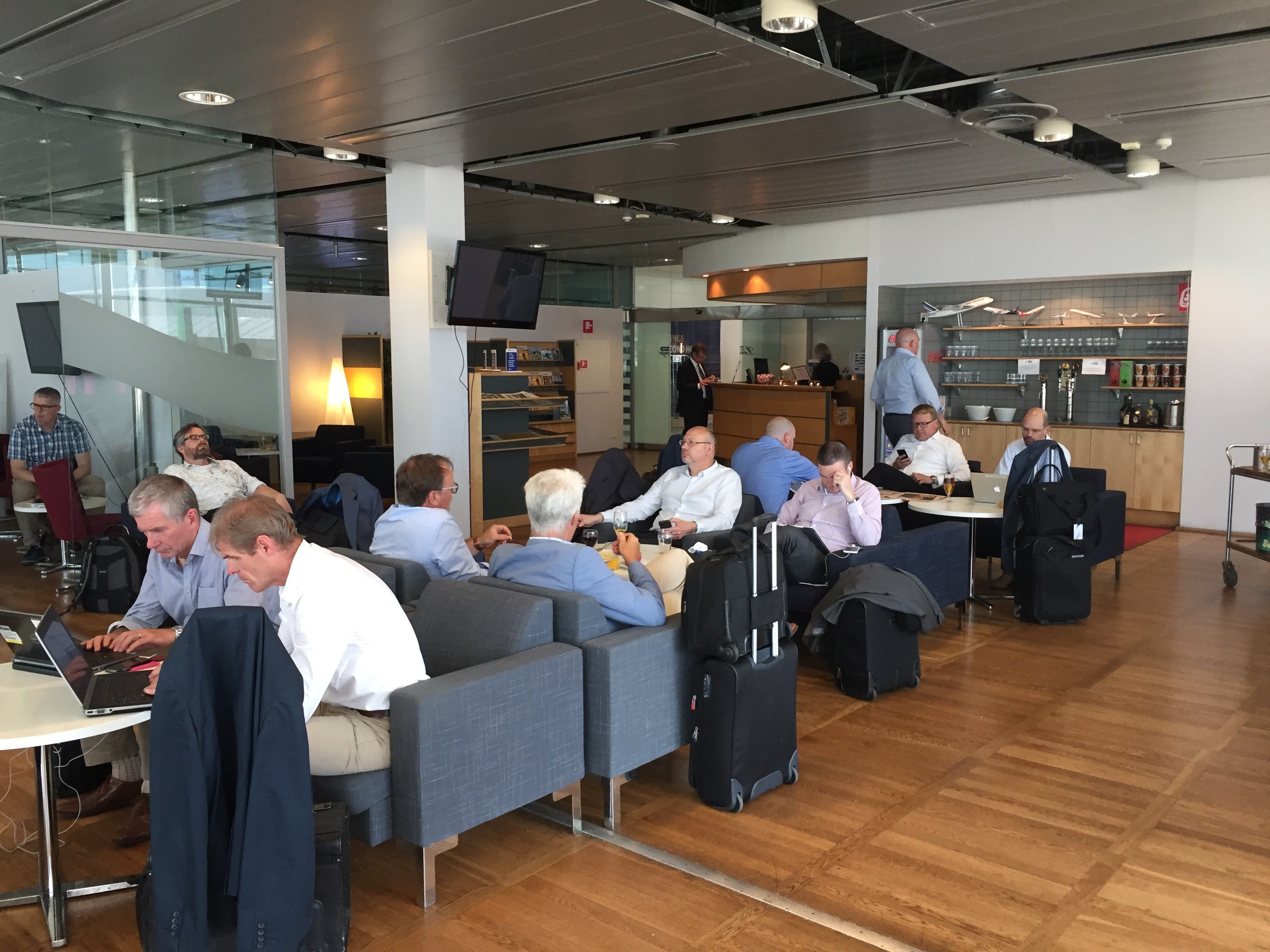 Menzies Business Lounge GOT Crowded
