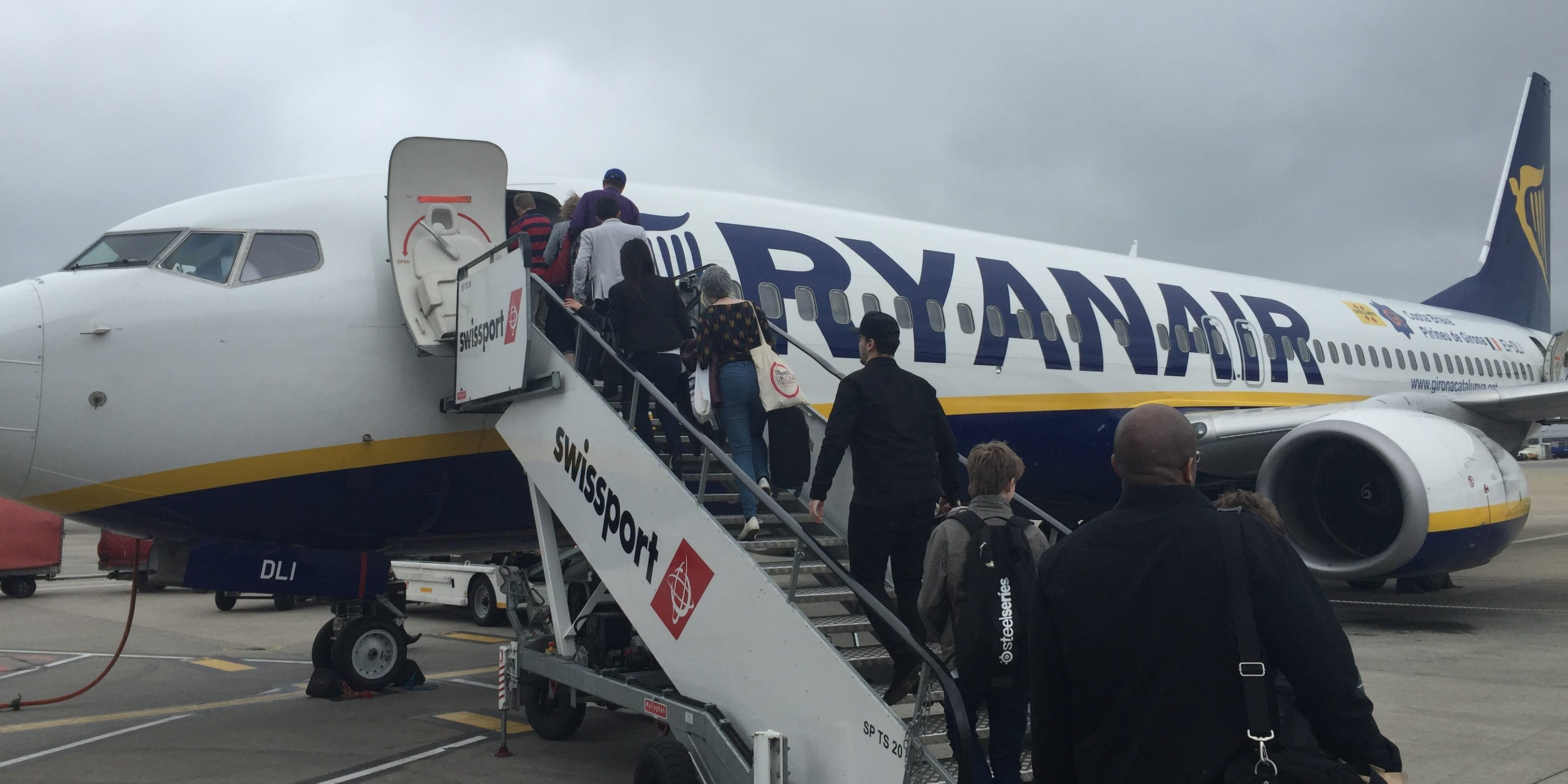 10 things to know before flying Ryanair