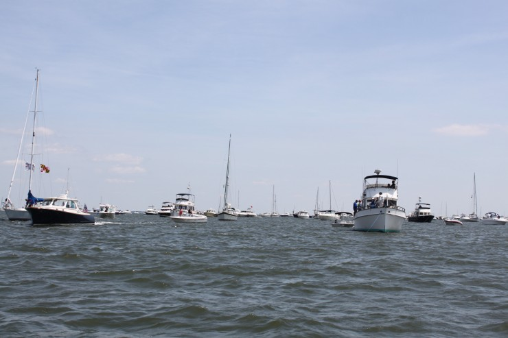 Look at all the boats that turned out.