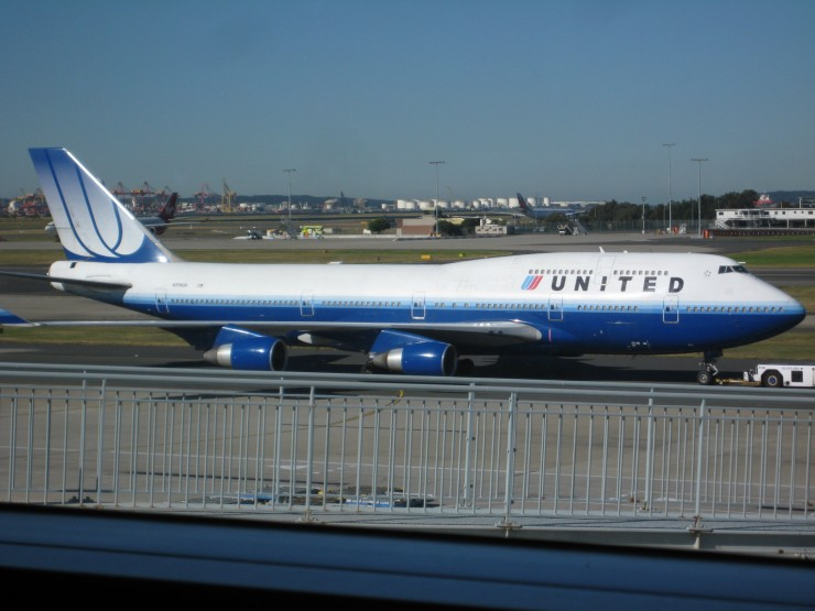 United Airlines 747 with the Tulip livery