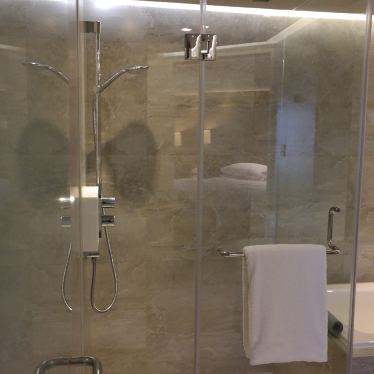 Grand Hyatt Taipei Shower