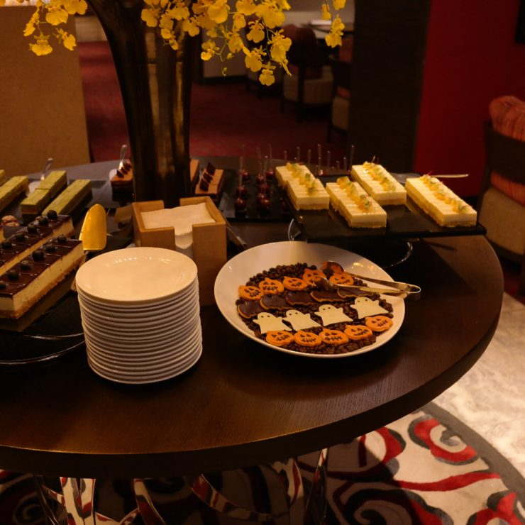 Evening snacks at the Grand Hyatt Taipei's Grand Club