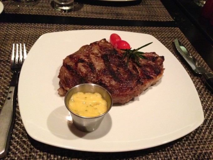 Porterhouse at Cagney's Ateakhouse